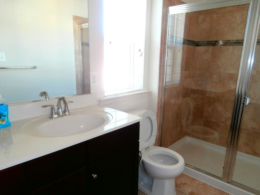Master Bath Room Without Tub