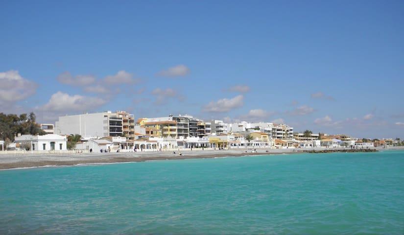 Apartamento luminoso de 2 habitaciones en la playa - El Grau de Moncofa - Byt