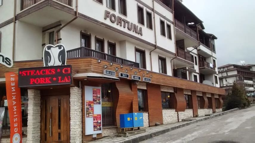 Bansko Ski Apartment , Fortuna  , Sleeps 6