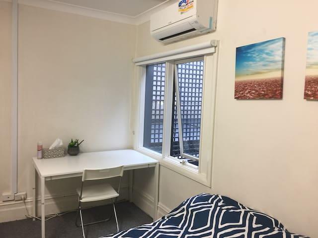 fantastic studio in Sydney 101