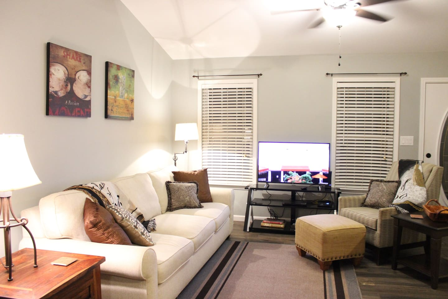 """Enjoy relaxing in the living room or stream on-line through the 43"""" Smart TV / Roku."""