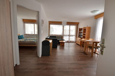 Modern 1-Bedroom Apartment next to LeukerbadTherme - Leukerbad - Byt