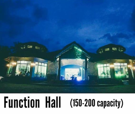 V. Guardia Function  Hall accommodates up to 150 to 220 persons.