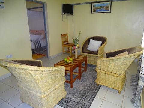 Comfortable house Afrikana Yard, House for two