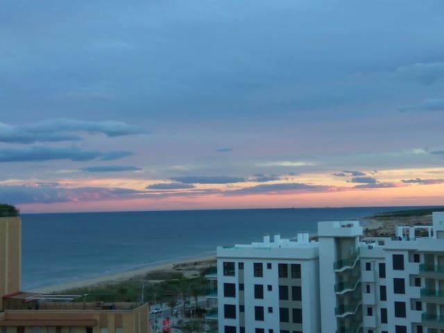 Apartamento en la playa con vistas - Arenals del Sol - Daire