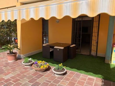 La casa di Nefy e giardino privato