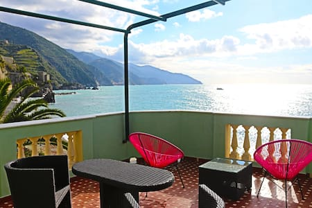 The best see view in town!!! - Monterosso Al Mare