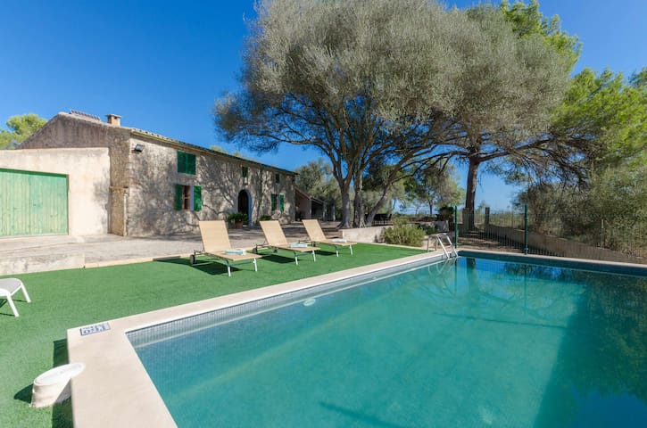 YourHouse Llampi, villa with private pool and WiFi near Sineu for 6 guests