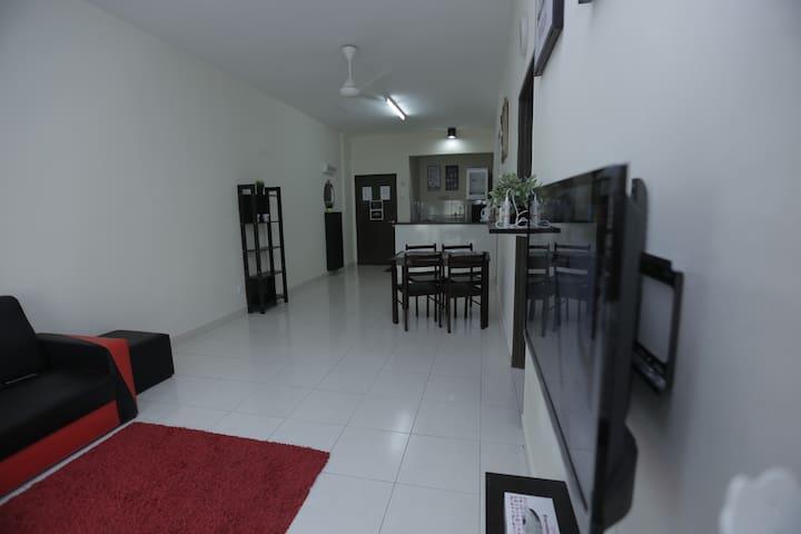 Puncak Alam Draceana Suite Homestay - Puncak Alam - Apartmen
