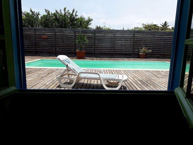 Danie Chambre climatisée, proche mer, piscine