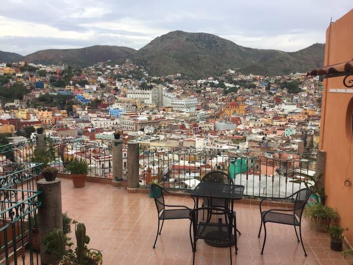 Habitación en Guanajuato con vista panorámica.