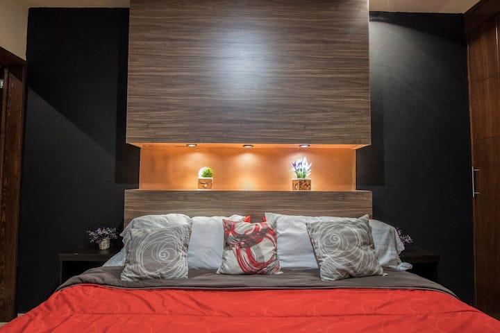 5# Habitacion entrada independiente y baño privado