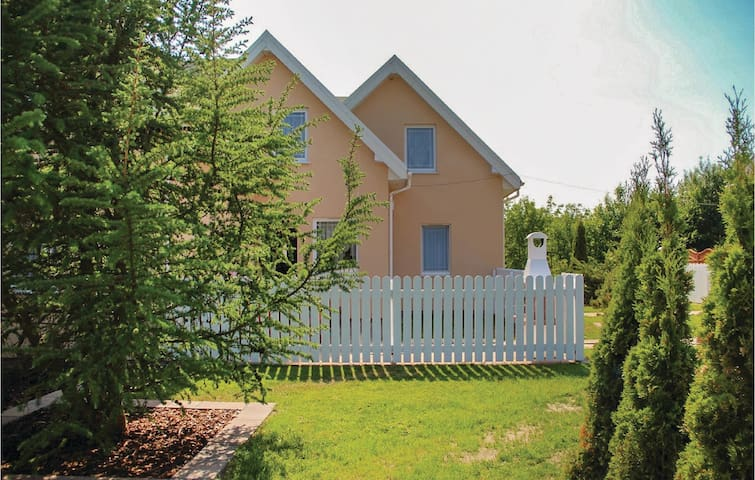 Terraced house with 2 bedrooms on 72m² in Sianów