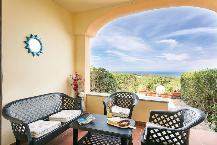 Apartment with Air Conditioning, Terrace and Sea View; Parking available