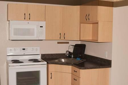 Home Away Barn Loft Apartment - Reddick