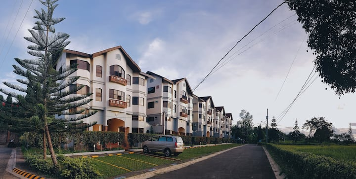 Leisure Suite w/ 1BR & Loft at Alta Monte Tagaytay