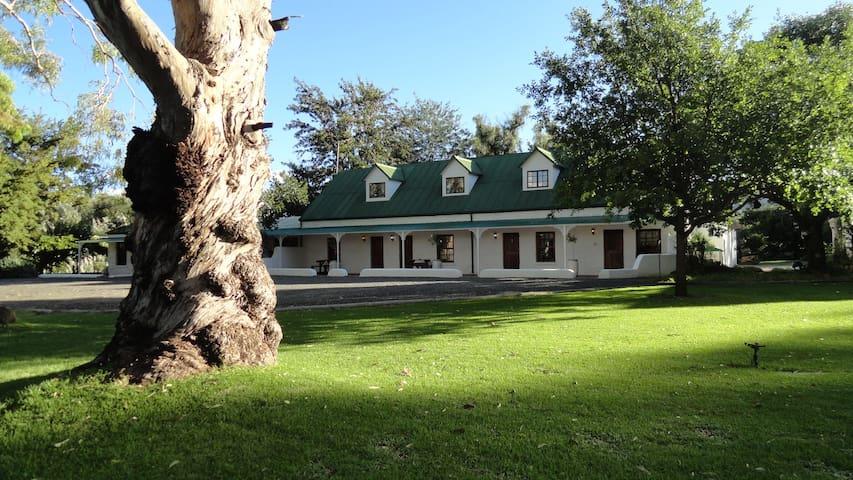 Toll Inn Guest Farm Room 1