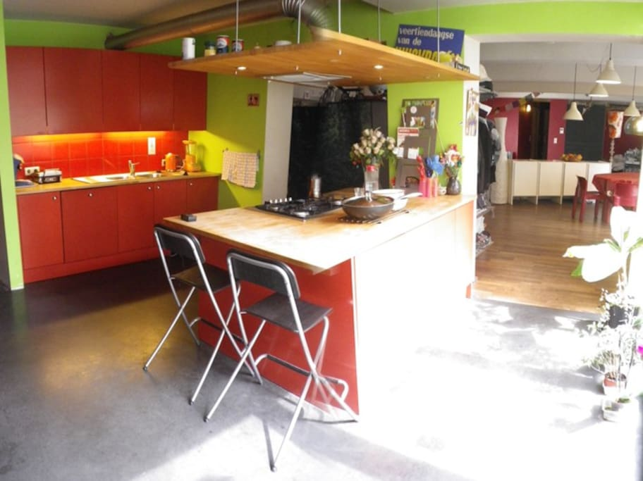 open kitchen, fully equipped