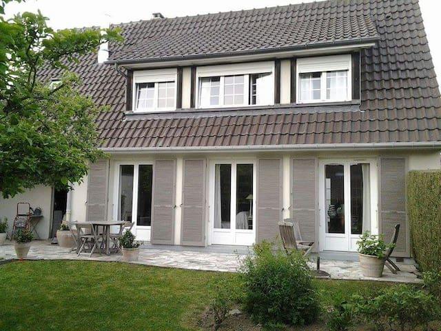 Chambre d'hote Ouest De Rouen - Maromme - บ้าน