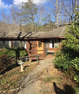 Blue Ridge Cabin at 3400' near Asheville & Hiking - Canton - Dům