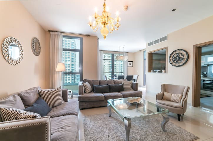 Luxury Two Bedroom  Full Fountain View