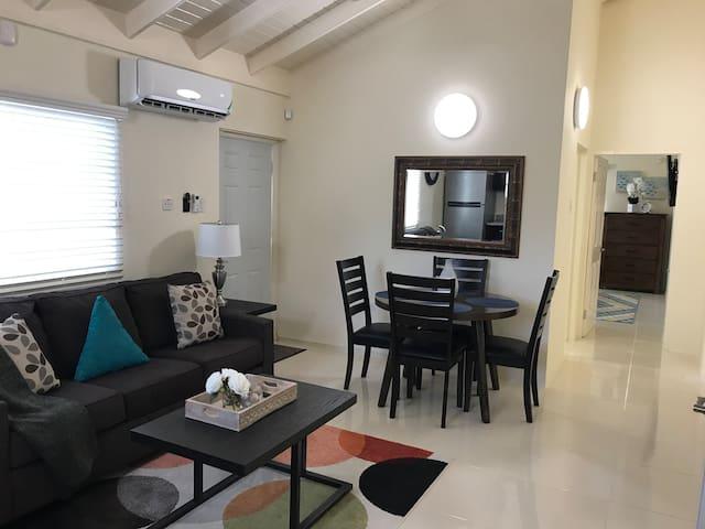 1 Bedroom Villa, wifi, cable, pool - Non Smoking