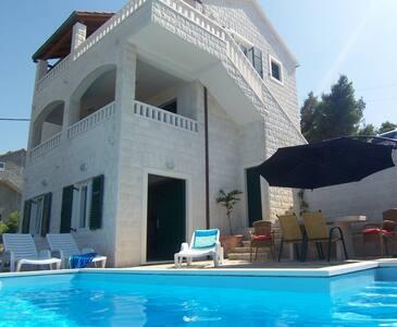 Family villa with pool and sea view - Postire - Villa