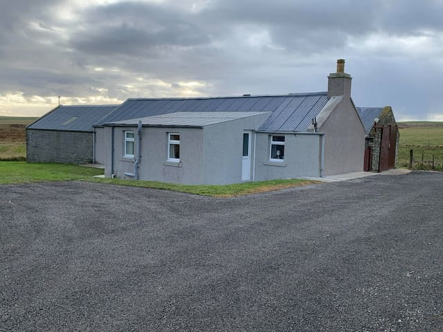 Centrally located home in Orkney - Brymire House