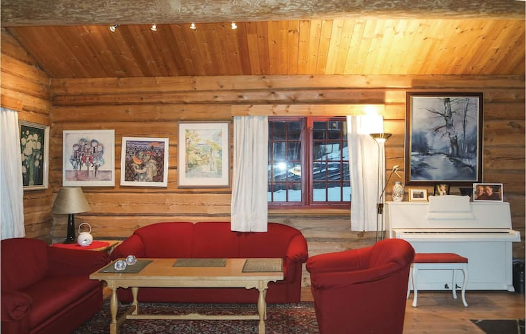Holiday cottage with 3 bedrooms on 180 m² in Lillehammer