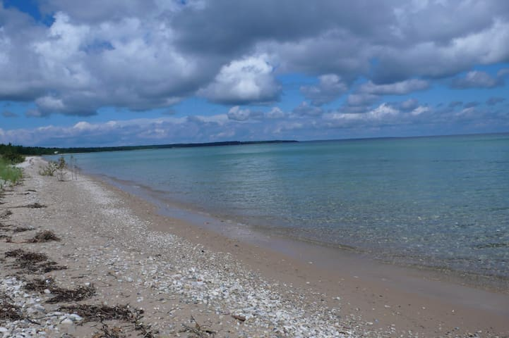Glamping 2 - Maverick on the Beach - Beaver Island - Bobil