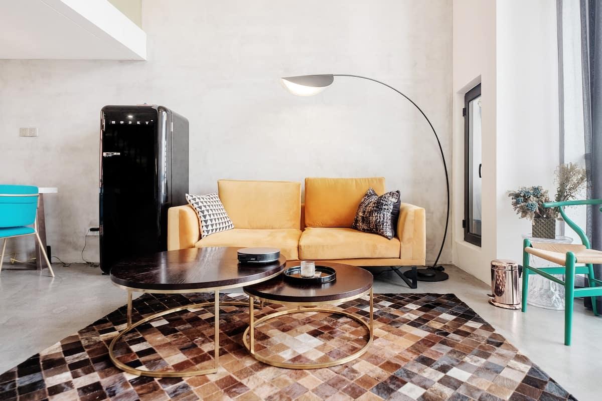 在现代风格的水泥Loft公寓感受魔都魅力