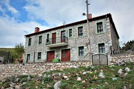 "#casa_di_Cardellino    ""σπίτι εξοχής"""