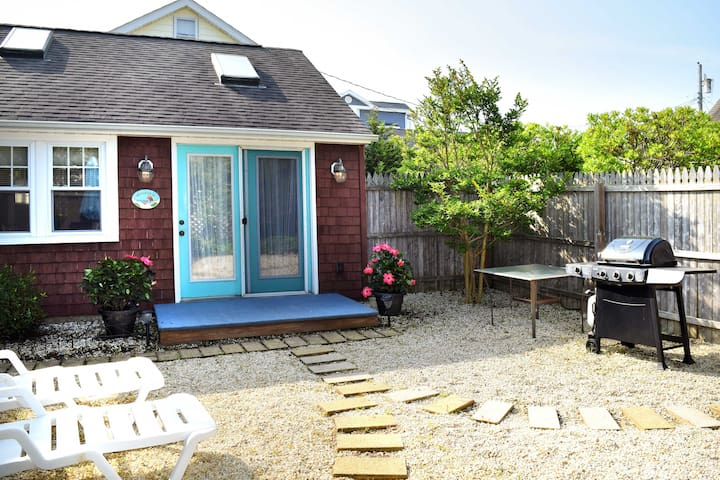 New! 1BR Surf City Cottage – Steps From the Beach!