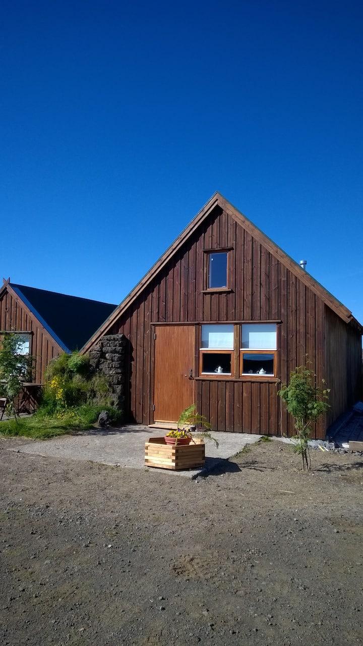 Cow cabin- Unique and beautiful farmstead !