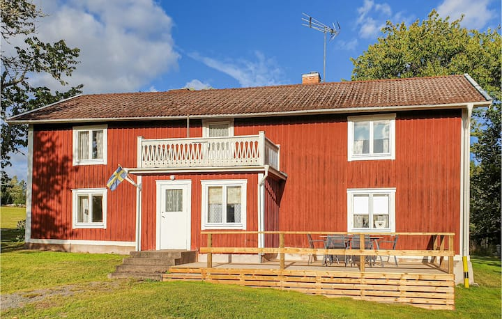 Nice home in Vetlanda with WiFi and 3 Bedrooms