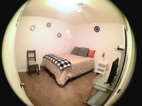 Comfortable/Private Room&Bath 8 min to Casinos
