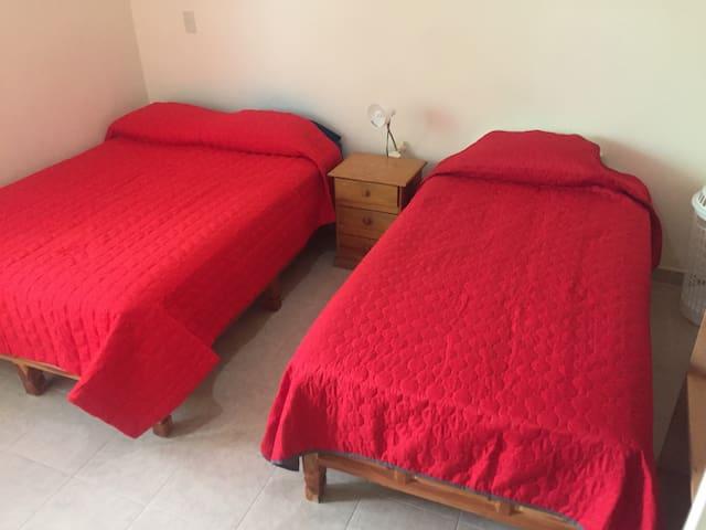 Recámara 2 / Bedroom 2