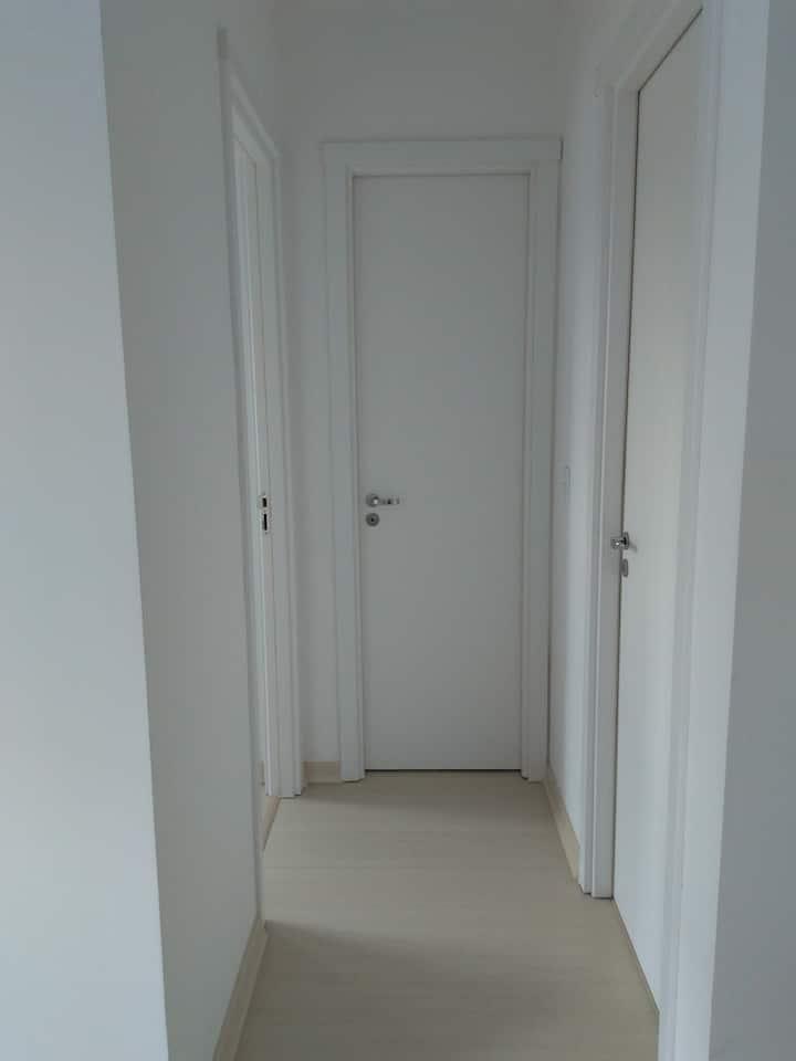 Quarto privado em apartamento mobiliado
