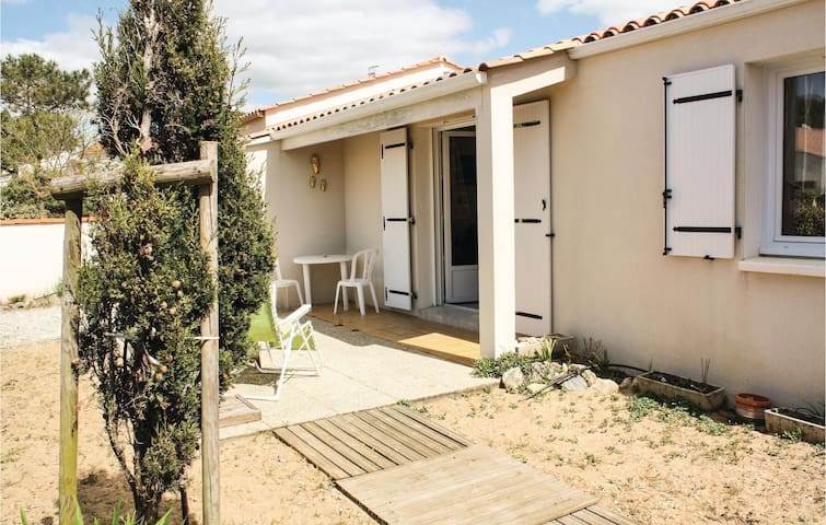 Semi-Detached with 3 bedrooms on 74 m² in La Tranche sur Mer