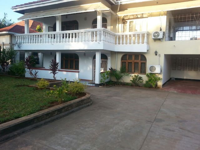 Furnished 1 bedroom in house close to the beach