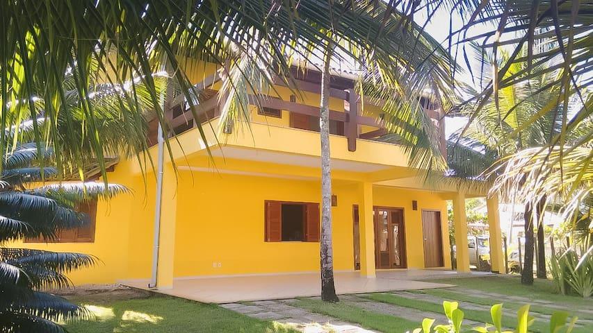 Casa amarela do Sargi - Itacaré (pé na areia)