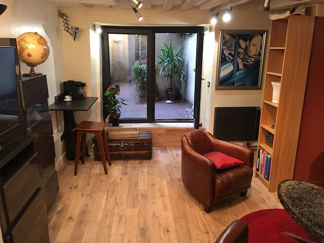 Cosy studio in the lively  area of Montorgueil