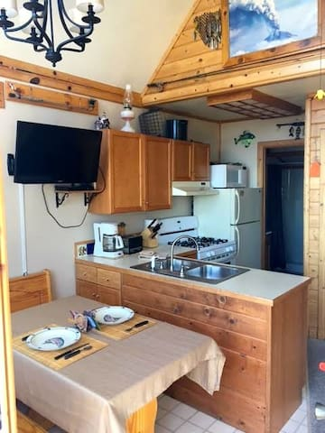 Redoubt Cabin $199 - Anchor Point - Cabana