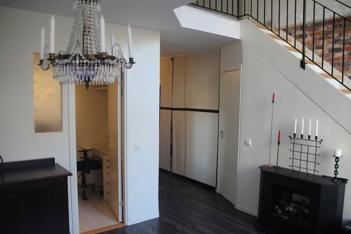 Two-floor studio apartment 30 min from Stockholm C - Vällingby - Byt