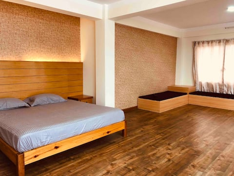 Blissful apartment. 1BHK with a terrace & garden.