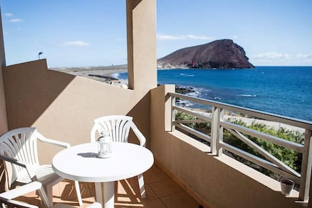 Large Seafront Double Ensuite Room - Granadilla de Abona - Apartment