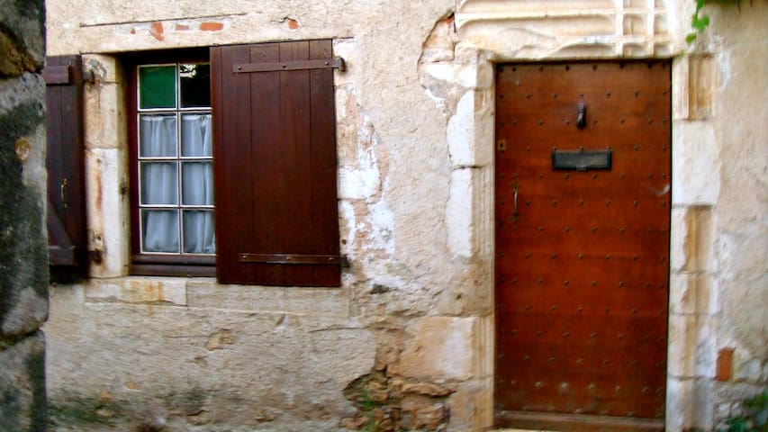 Belle petite maison avec jardin SAINT CIRQ LAPOPIE - Saint-Cirq-Lapopie - House