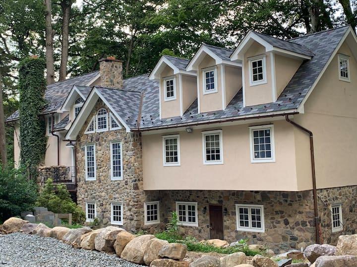 Luxury Villa - 40 min to NYC - Exclusive + Private