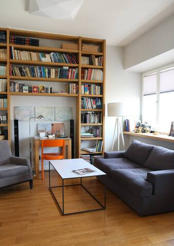 EXQUISITE APARTMENT IN THE HEART OF WARSAW