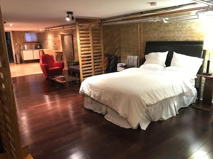670 sqf, 223 sqm basement, dry & cozy, loft like.